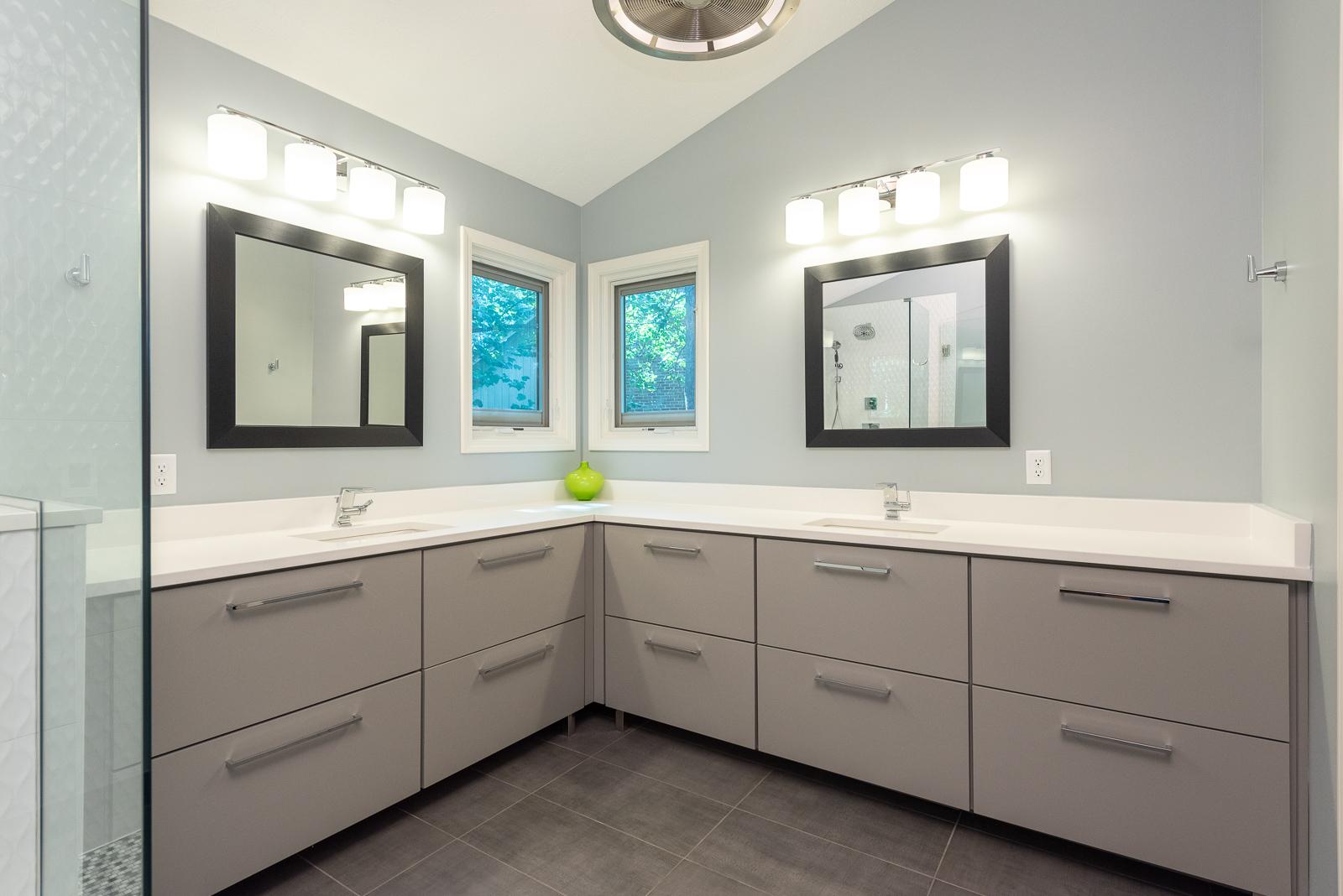 HomeWright Bathroom
